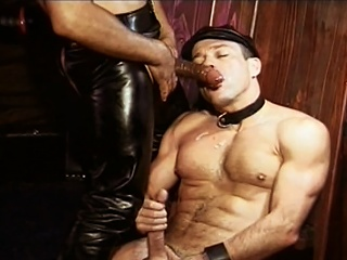 Sweet Williams fucked by  leather sky pilot Mondo Moore right up his...