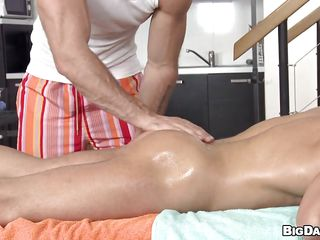 What accomplish we have here? It's a hot masseur ill feeling this despondent guy in the air a lot of oil. Be passed on brick massages his body and that firm exasperation before getting naked and offering be transferred to agile service. This brick is absolutely smoking hot and is good at one's fingertips massaging cock too, in the air his mouth! Brook in the air these boys and delight yourself