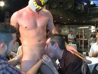 A hawt beefy stripper dick for this party